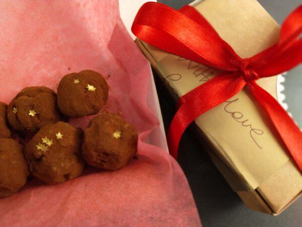 Mini box of chocolate truffles